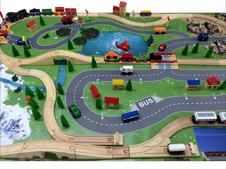 Eisenbahn / Holzeisenbahn Spielmatte (Spielteppich) von Stikkipix für das Kinderzimmer - SM13 - Maße: ca. 150 x 100 cm: Amazon.de: Spielzeug