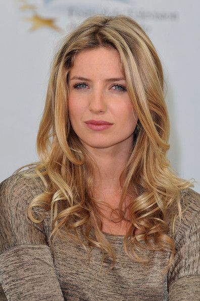 Annabelle Wallis | ... annabelle wallis actress annabelle wallis poses during a photocall for