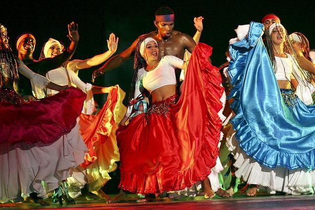 Ballet Rakatan (photo by Sven Creutzman) Ballet Rakatan artists during a show in the Teatro Nacional // Ballet Rakatan waehrend show im teatro nacional.