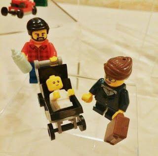 Lego si adegua alla famiglia moderna: ecco il personaggio 'mammo'