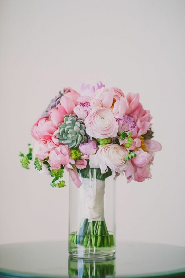 Bouquet de mariée classique ronde avec des pavois