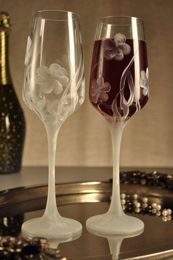 25 Unique Painted Champagne Flutes Ideas On Pinterest Toast For Wedding Unique Wedding