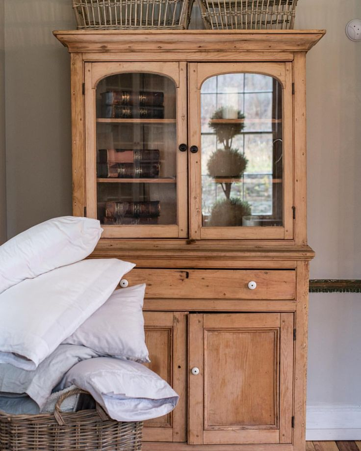 Antique hutch - Best 25+ Antique Hutch Ideas On Pinterest Country Hutch