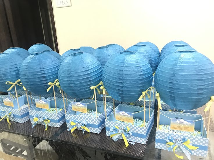Drooling over these super cute Baby announcement hampers 💙👶🏻 Can be further customised ! #hotairballoonhamper #itsaboy #babyannouncement #love #happiness #wrappingbells🎀🔔