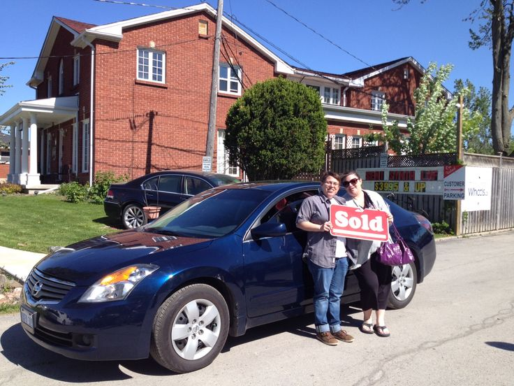 Happy customers, Stacey Smith & Tammy Campbell, picking up thier 2008 issan Altima from THAT CAR PLACE, London ON!! #sold #usedcardealers #nissan #sedan #altima #londonontario #thatcarplace #blue #happycustomer