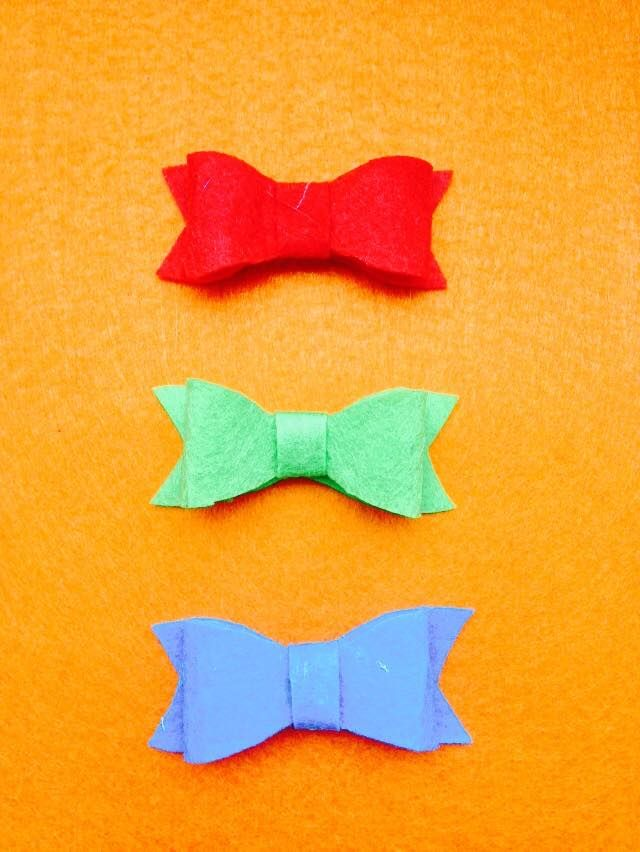 Red, Green and Blue Felt Bows.