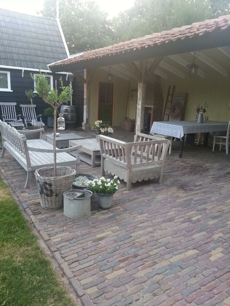 25 beste idee n over kleine veranda 39 s op pinterest veranda stoelen veranda zitplaatsen en - Moderne buitentuin ...