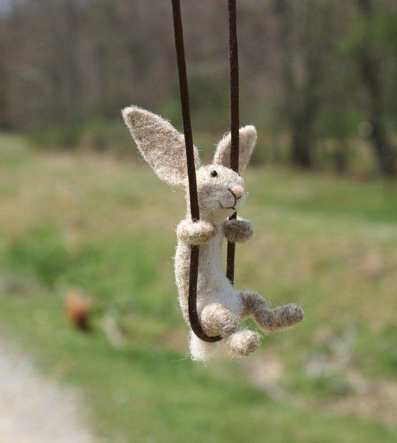 Kleine konijn ketting naald vilten van motleymutton op Etsy