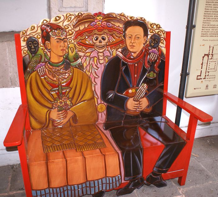 Bench, Frida and Diego