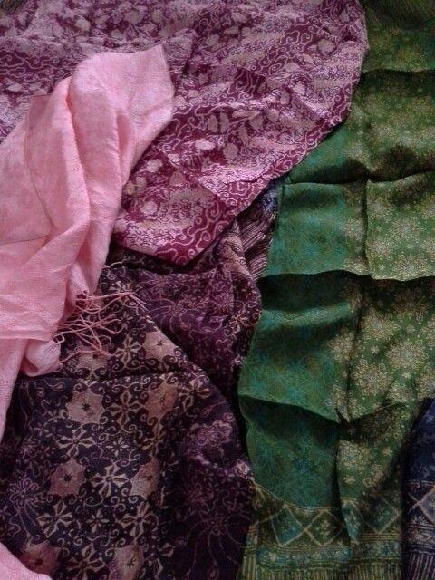 Batik from viscose fabric. Love the motif & colors