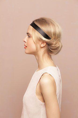 Eingedrehte Haare mit Haarband