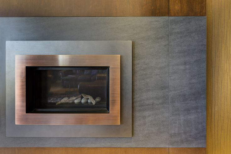 Neolith is the perfect material to create beautiful and modern fire places thanks to its #design and resistance to very high temperatures. Check out this great example of a house in Victoria (Canadá) done by Beyond Surfaces Distribution! Neolith: Design, Durability, Versatility, Sustainability
