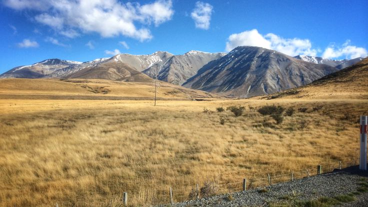 Canterbury foothills leading up to Arthur's Pass. New Zealand 2014. jbvbeek.