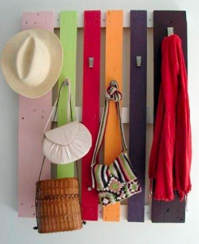 Coat and hat rack by Pallet Perfect.  Coat and hat rack made from upcycled pallets.