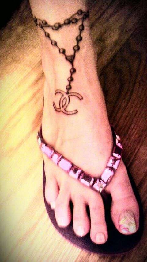 17 best images about ankle bracelet tattoos on pinterest sister tattoos tat and charms. Black Bedroom Furniture Sets. Home Design Ideas
