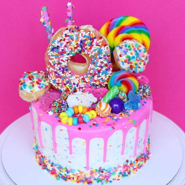 "Gefällt 86 Mal, 2 Kommentare - Margarita Bloom (@margaritabloom) auf Instagram: ""Birthday cake inspo! My birthday is coming up on January 16th and I'm sooo craving birthday cake…"""