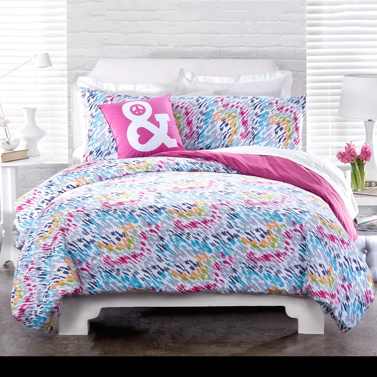 Love these colors... Oh look- an ampersand pillow! *gasp*