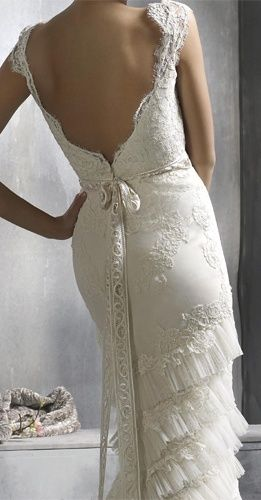 Gorgeous Vintage Wedding dress.