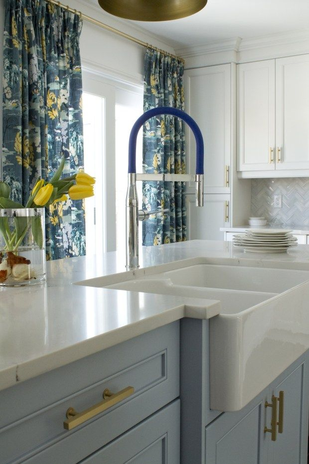 Designer Christine Elliott Installed The Grohe Essence Semi Pro Single Handle Faucet In This Kitchen All White Kitchen White Kitchen White Kitchen Remodeling