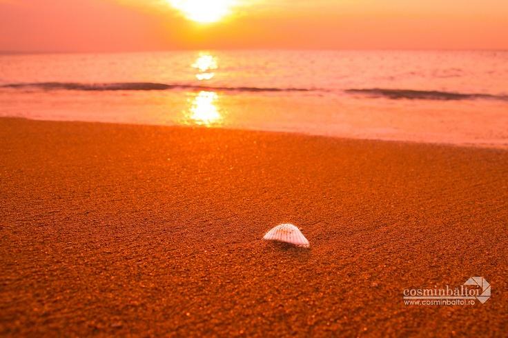 Red Beach - Golden Sands