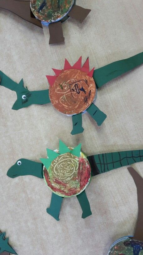 Dino knutselen
