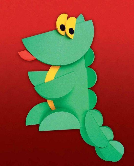 Un precioso dragón hecho de papel.