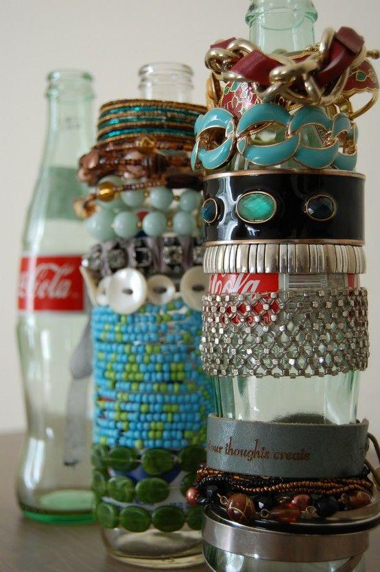 hmm: Ideas, Craft, Soda Bottles, Jewelry Display, Bracelet Holders, Diy, Jewelry Holder, Coke Bottles