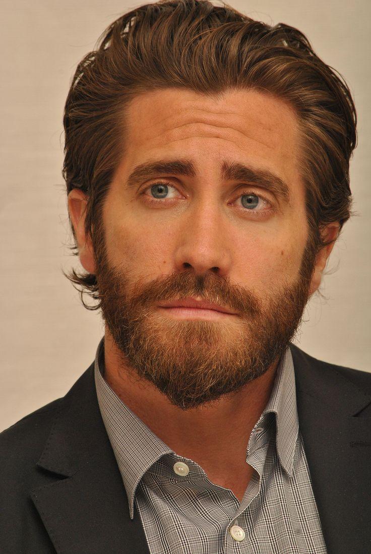 30 Trendy Short Beard Styles to Get the Macho Look