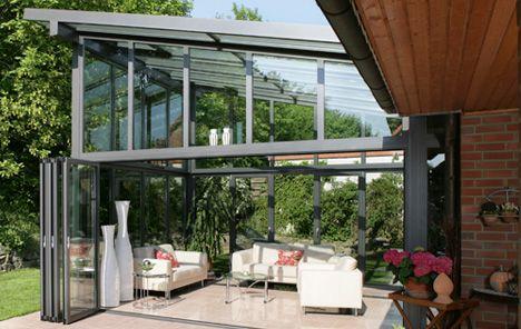 Zu jeder Jahreszeit kann der Wintergarten als Raum im Freien genutzt werden.