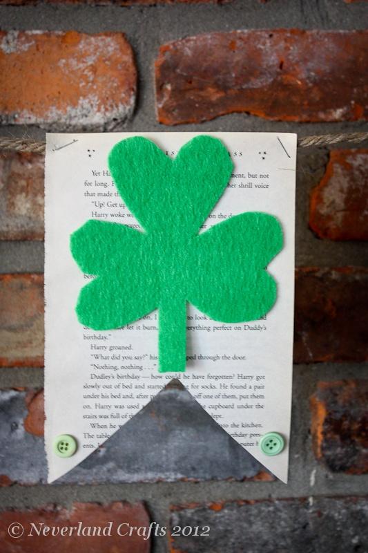 St Patrick's Day bunting  www.neverlandcrafts.blogspot.comSt Patricks Day