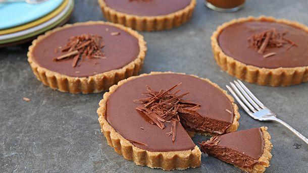 Salted caramel and chocolate mousse tarts | New World Supermarket