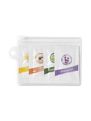 Set de baño de viaje: Incluye: sobres de 8ml de champú, acondicionador, gel y loción para el cuerpo.
