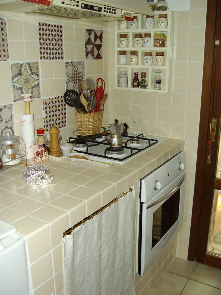 Kitchen corner with vintage maiolics composition