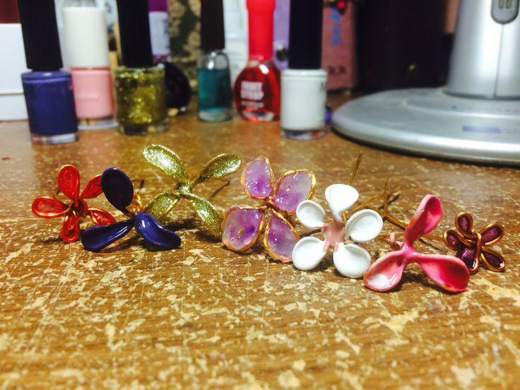 Nail polish flowers🌸🌸