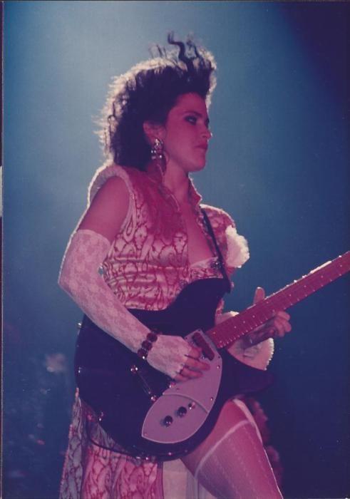 Wendy Melvoin, Prince & the Revolution  Purple Rain tour, 1985