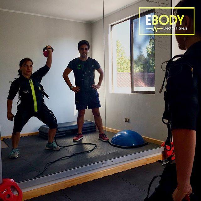 20 minutos de actividad física con electroestimulación muscular 2 veces por semana es la frecuencia óptima para ver cambios significativos .  Si no conoces de que se trata aprovecha el 25% de dcto. asistiendo a tu sesión de prueba...reserva y agenda tu hora . Anímate a ser parte de la familia EBody CDLV. : ciudadvalles@ebody.cl  #ebodycdlv #ems #entrenamiento #personaltrainer #ejercicio #fitness #verano #febrero #salud #rutina #circuito #instachile #tonificacion #cardio #bajardepeso #jueves…