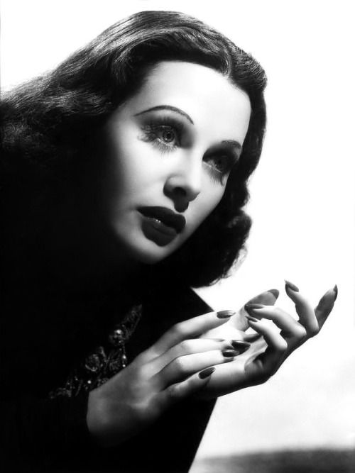 Hedy Lamarr,beautiful, actress and inventor.