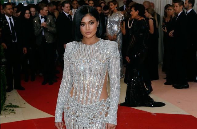 She may just be 18 years of age, however that hasn't prevented Kylie Jenner from proceeding onward to her second home in California. ...