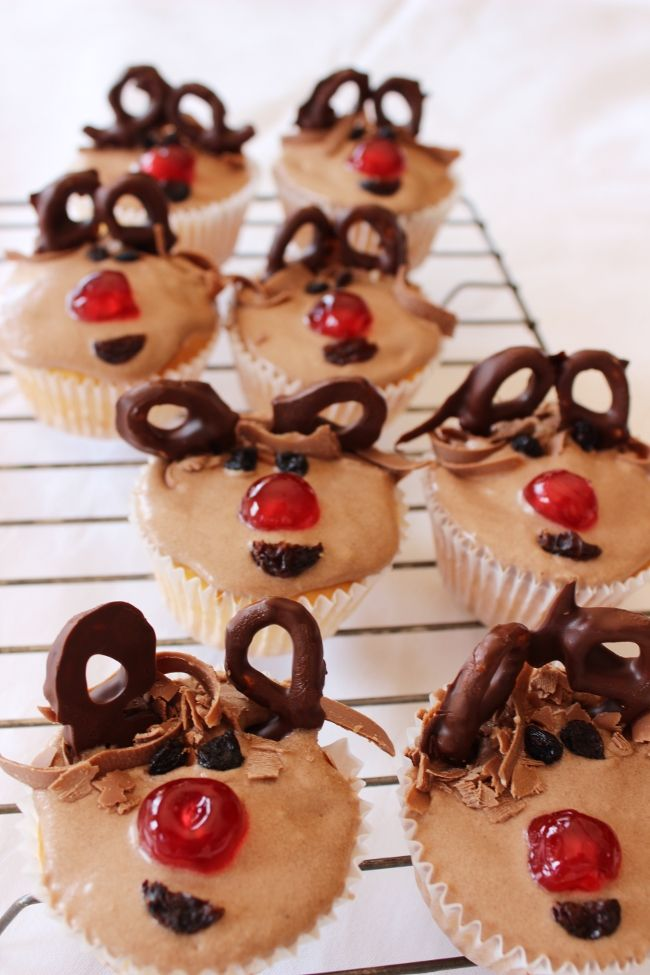 Rudolph Cupcakes  http://serendipityandkate.blogspot.com.au/2011/12/alexsantas-christmas-bakehouse.html