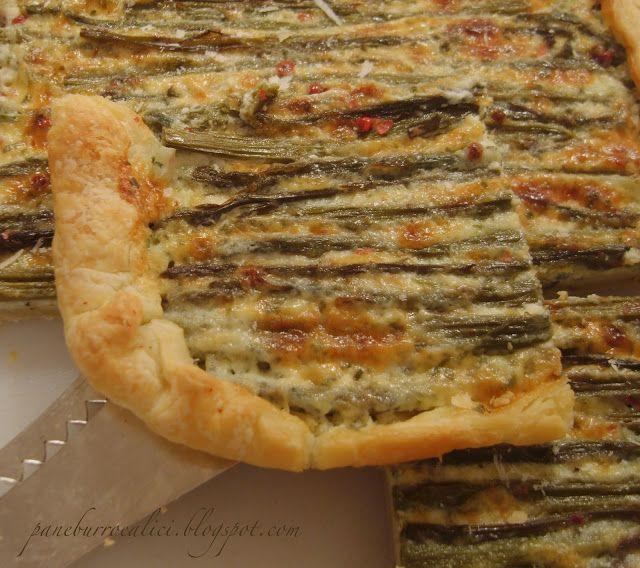 Torta rustica di finta sfoglia (alla ricotta) con asparagi e mascarpone