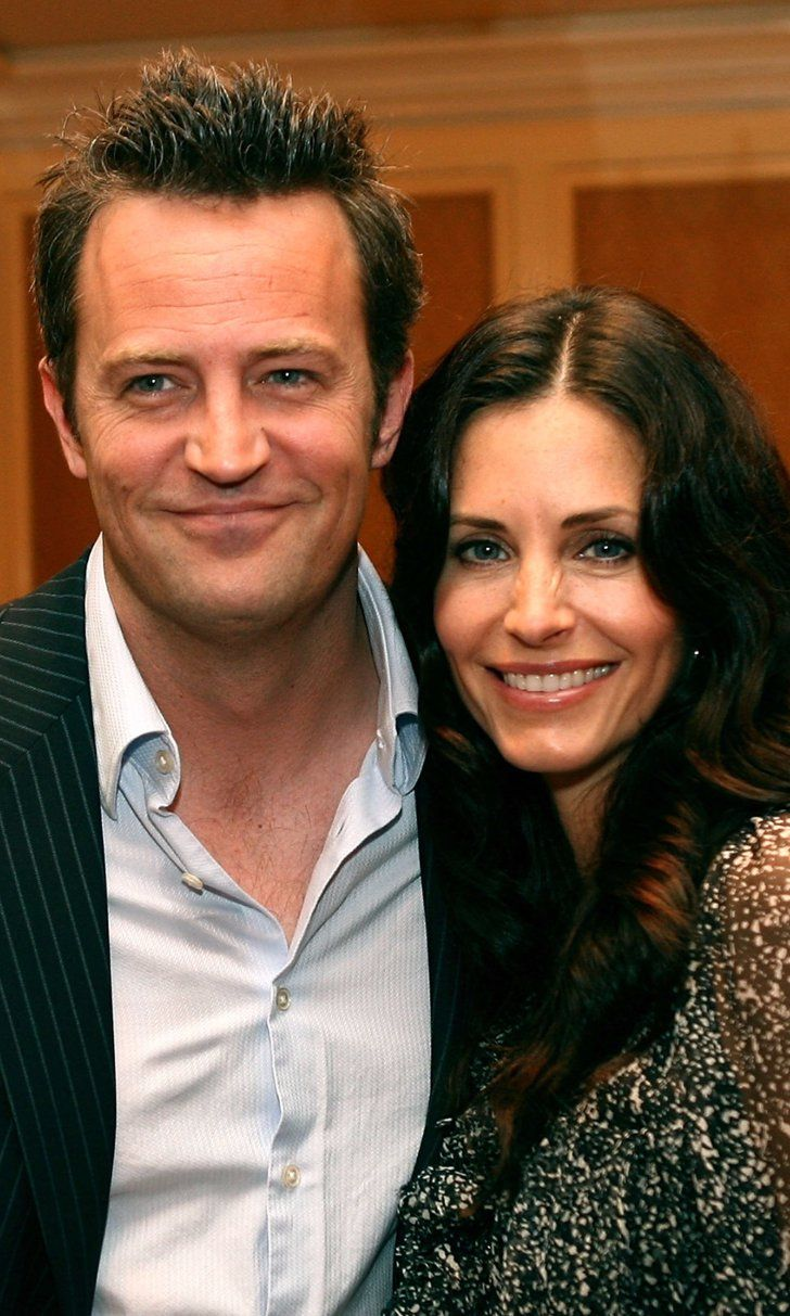 There's Just 1 Tiny Issue With That Courteney Cox and Matthew Perry Dating Rumor