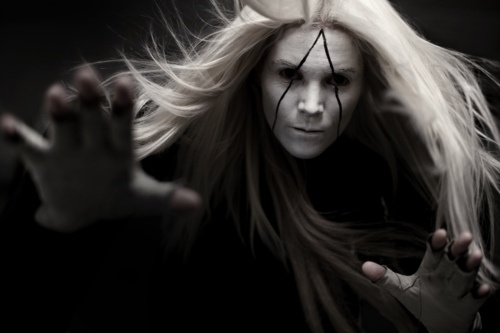 Fever Ray, hurt by love.