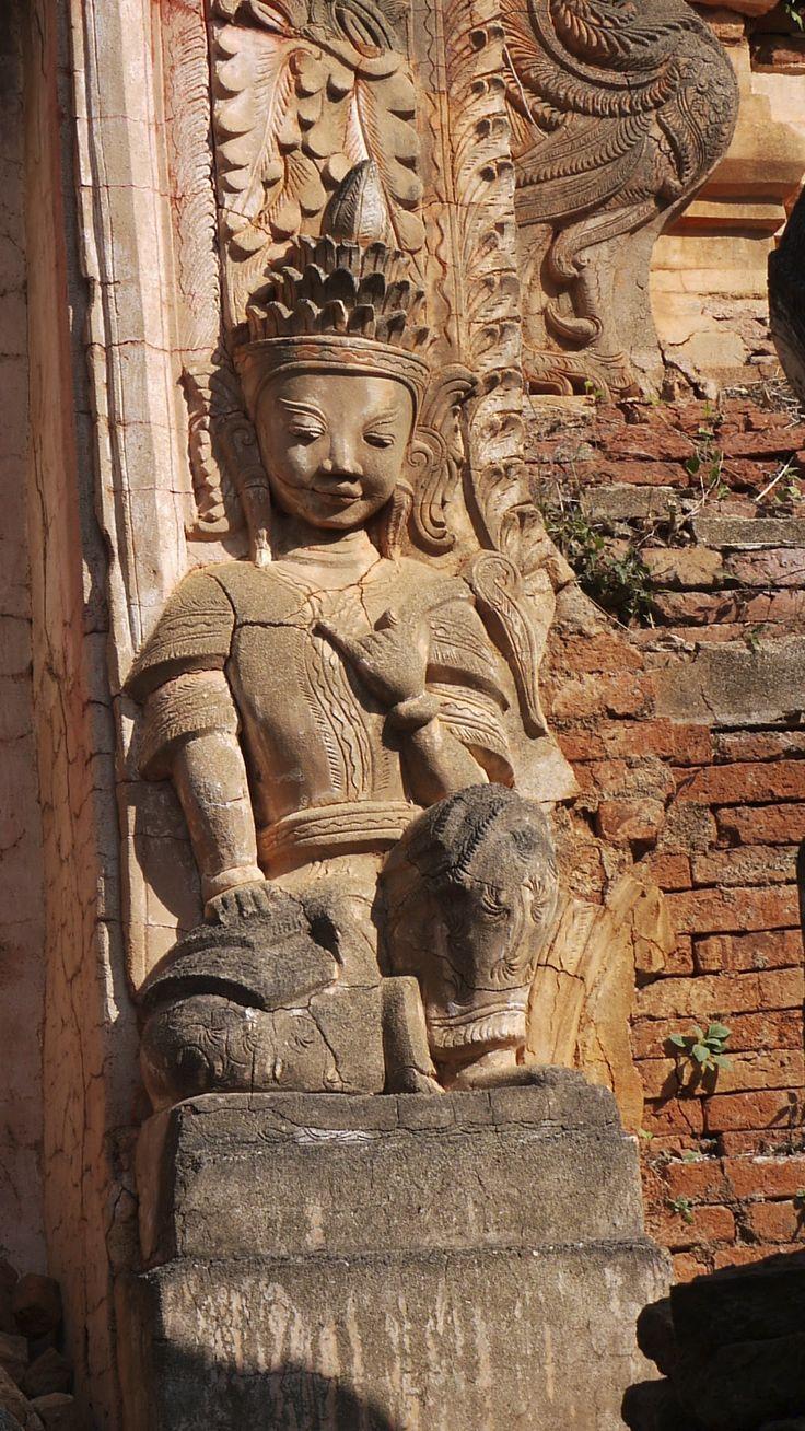 Buddha - Paya, Burma
