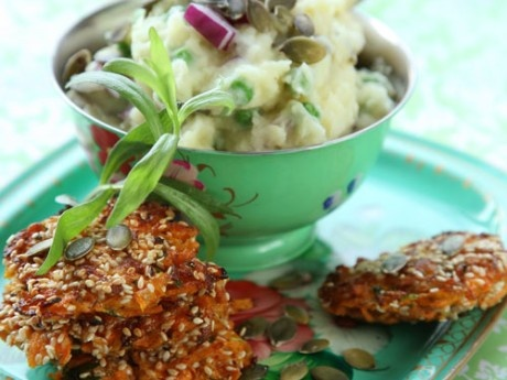 Carrot burgers with vegetable puree