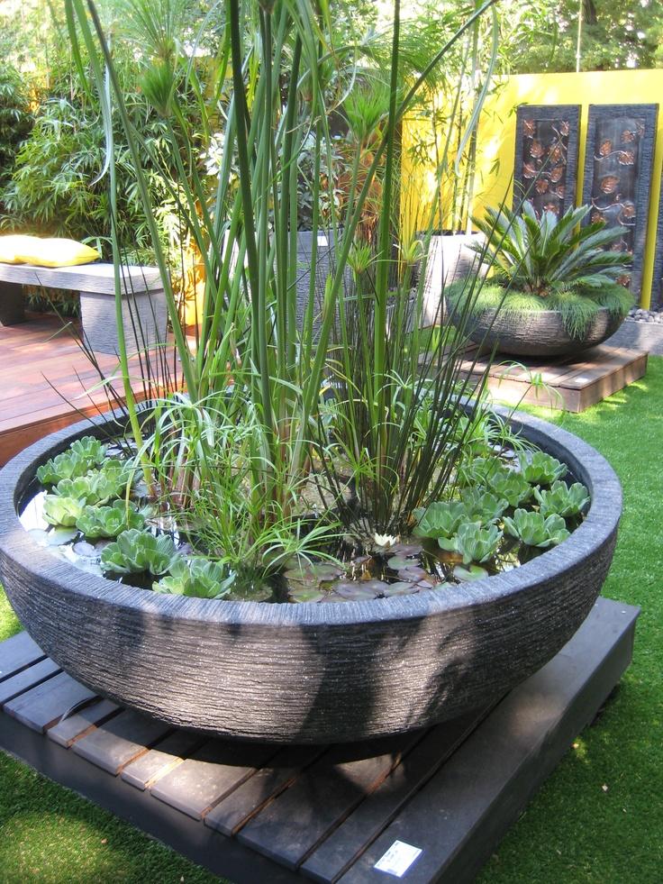 131 besten ideen mini teiche kleine wasserg rten bilder auf pinterest wassergarten. Black Bedroom Furniture Sets. Home Design Ideas