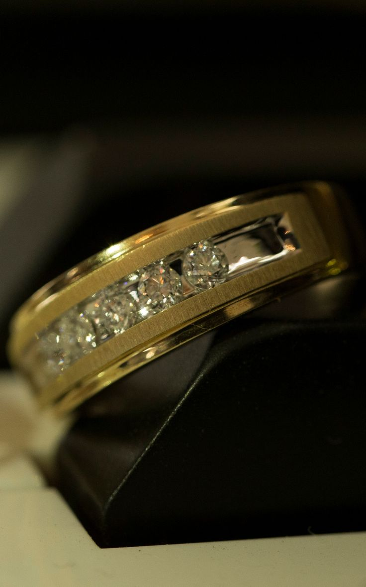 mens wedding bands kay mens wedding bands Five striking round diamonds embellish this yellow gold men s wedding band The ring has a total diamond weight of carat Diamond Total Carat Weight may