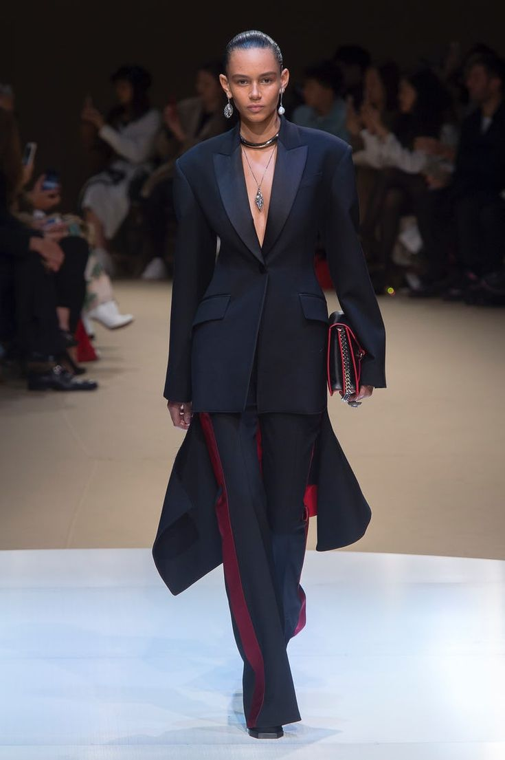 Alexander McQueen | Ready-to-Wear - Autumn 2018 | Look 1