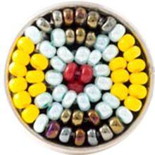 tribal - Afrikaanse tribal sieraden, gemaakt van kralen, staan symbool voor creativiteit, schoonheid en welvaart. Elke kraal en elke kleur draagt haar eigen symbool: geel staat voor geluk, rood voor kracht, blauw weerspiegelt de hemel, bruin de aarde en oranje de zon.