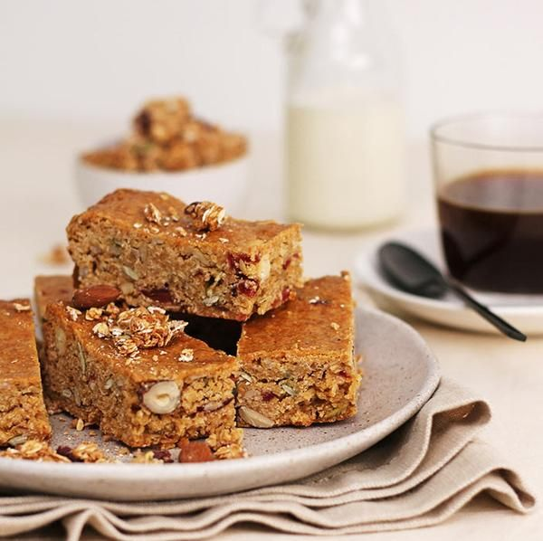 YouFoodz | Kick Start Bar $4.95 | It's a delicious muesli bar loaded with oats, nuts and seeds to fuel your day. Perfect enjoyed for brekky, morning tea or as an arvo snack...let's be honest, we eat these bad boys any time of the day! | #Youfoodz #HomeDelivery #YoullNeverEatFrozenAgain