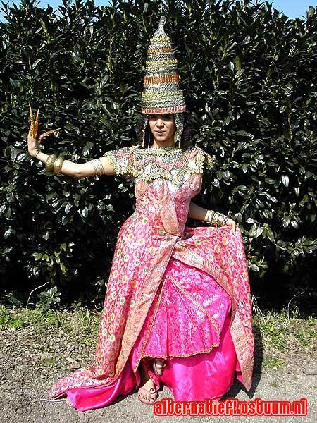 folklore klederdracht klederdrachten boerka marokkaanse surinaamse indiase kleding 22